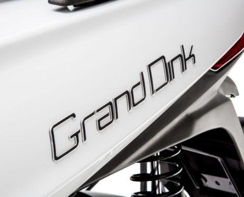 nuevo-gran-dink-125-2016-logotipo-trasero